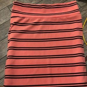 Coral and black striped Lularoe Cassie Skirt. XL🖤